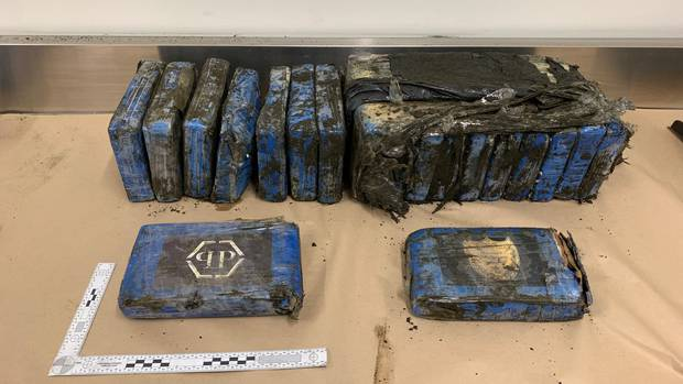 Cocaine worth €1.7m washes up on New Zealand beach