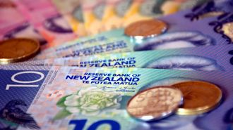 HDPA: Global market tumble shows Reserve Bank is being irresponsible