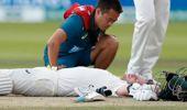 The Australian batsman received a blow to the neck. (Photo / AP)