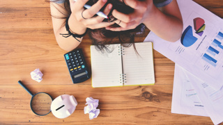 Study finds men and women are equally bad at multitasking