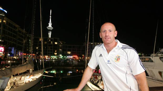 Ex- Wales rugby captain Gareth Thomas blackmailed into revealing HIV status