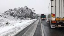 Australia's wild weather: Snow in the south, fires in the north