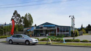 New Zealand's 'rudest' cafe under new ownership