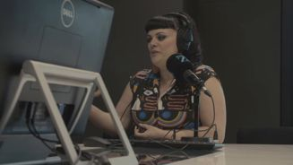 Tami Neilson performs live in studio