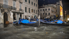 Thea Hawlin: Italy declares state of emergency in Venice after high tides