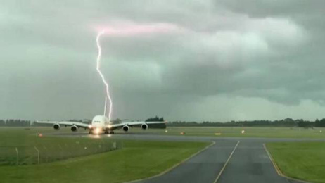 Emirates flight nearly struck by lightning at Christchurch Airport