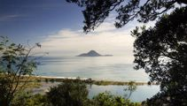 Whakatane's mayor confident town can recover from White Island eruption