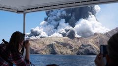 White Island's Volcanic Alert Level had been set at 2 - the highest short of an eruption - when it blew on December 9. Photo / Allessandro Kauffman