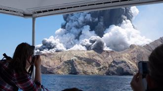 Scientists defend volcano warning system amid criticism