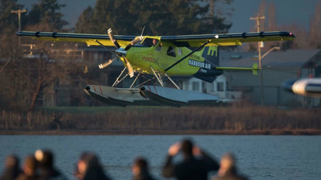 'World's first' fully-electric commercial flight completed
