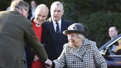 Queen Elizabeth and Prince Andrew attend church together. Video / AP