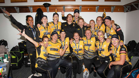 Sophie Devine: Wellington Blaze completes perfect season