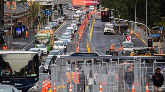 Heavy commuting traffic on Victoria St, central Auckland. Photo / Herald