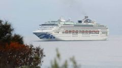 The Sun Princess cruise ship arriving into Penneshaw, Kangaroo Island in January. The ship and its passengers have been met by protests at Réunion Island over coronovirus fears. (Photo / Getty)