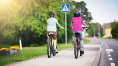 Riders would have to give way to pedestrians and people in wheelchairs. Photo / 123rf