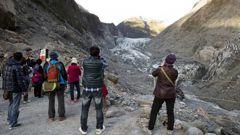 Tourists at Mt Cook. (Photo / NZ Herald)