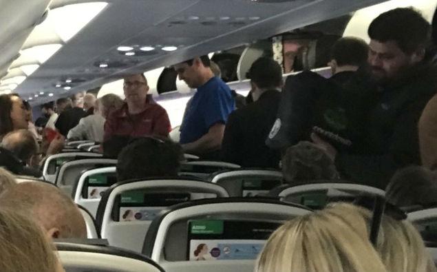 Air New Zealand passenger shocked after social distancing rules broken