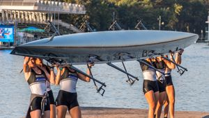 Rowing: Kiwi rowing to the moon