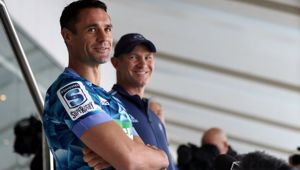 Dan Carter (left) and Blues coach Leon MacDonald. (Photo / Getty)