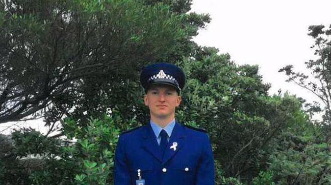 The police officer who was slain in a shooting incident in west Auckland yesterday was Constable Matthew Dennis Hunt.