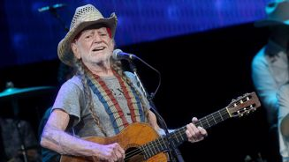 Music review with Estelle Clifford: Willie Nelson's new album