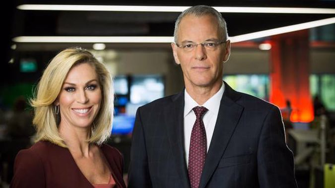 TVNZ newsreaders Wendy Petrie and Simon Dallow have anchored the 6pm news since 2006, but it appears that their time may now be up. Photo / File