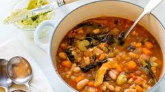 Mike van de Elzen: Hearty veggie soup with Parmesan butter bread