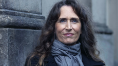 Rose Carlyle: Kiwi author sees debut novel sold to Hollywood