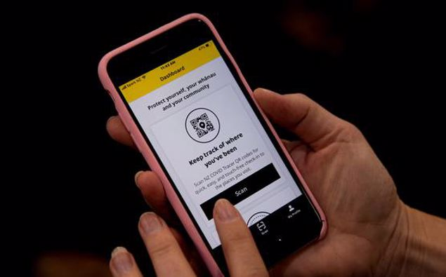 A gradual drop-off in the number of Kiwis using the NZ Covid Tracer app has prompted a fresh appeal for people to keep doing their bit against Covid-19. Photo / Dean Purcell