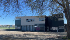 Ministry of Education accused of failing Banks Avenue School