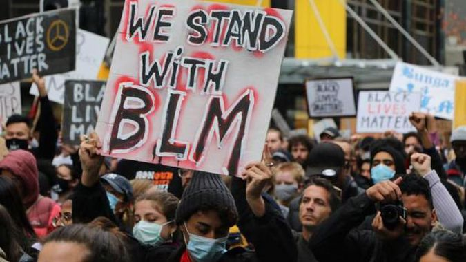 Protesters marched in Auckland in support of the Black Lives Matter movement in the US on June 1. (Photo / RNZ)