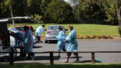 Greenhithe residents rushed to a Covid-19 pop-up testing station at Wainoni Park in response to a positive Covid case in the North Shore suburb. (Photo / Sylvie Whinray)