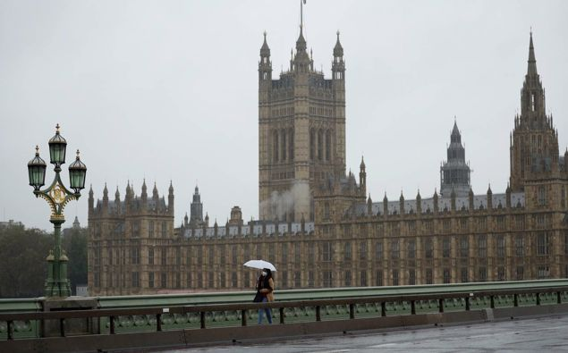 As the Covid-19 pandemic grips the UK, many Kiwis say they want to return home. Photo / AP