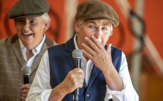 Dames Lynda and Jools Topp. (Photo / NZ Herald)
