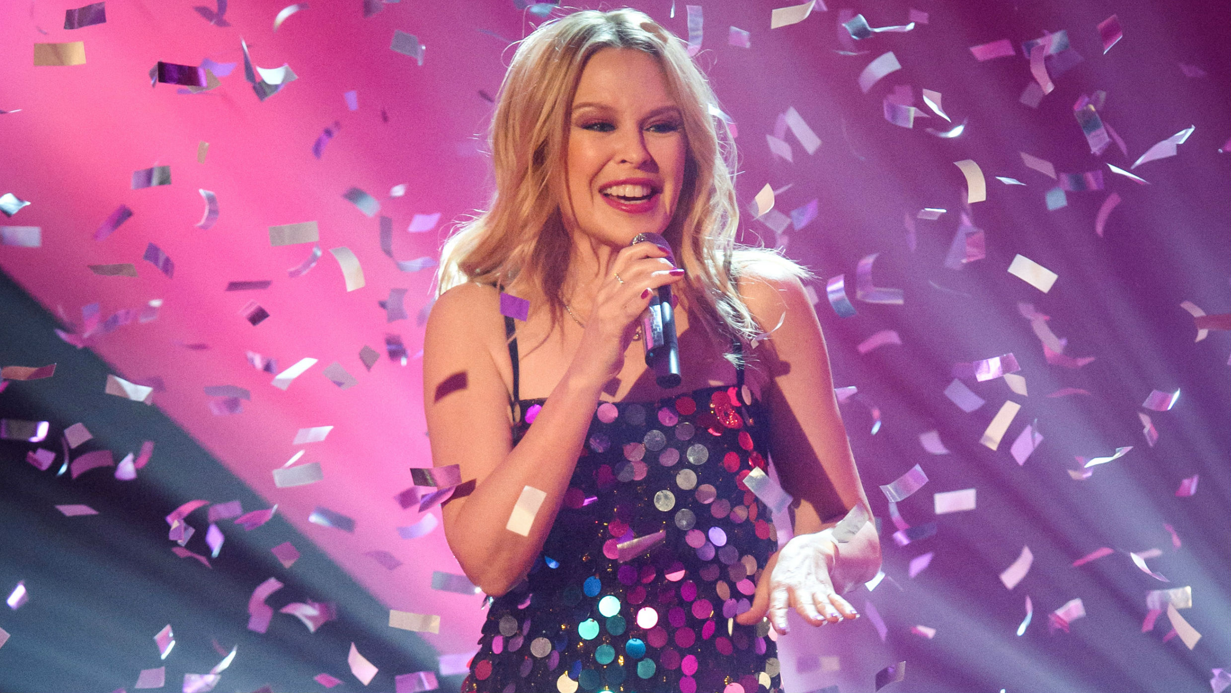Kylie Minogue covers Earth, Wind and Fire's 'September'