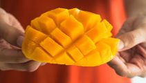 How eating mangoes can reduce wrinkles