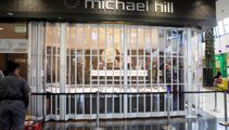 'Smashed, grabbed, dashed': Shoppers watch in horror as men rob mall jeweller