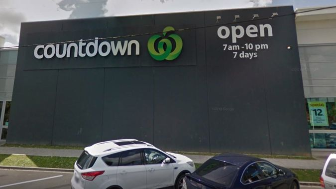 Countdown spokeswoman confirmed one of the two people being urgently re-tested as a possible community case visited the Orewa store between 1pm and 2pm on Monday. Photo / Google