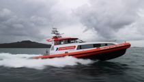 Eight rescued from Auckland waters after waka began sinking