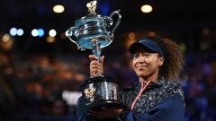Naomi Osaka lifts her second Australian Open title. (Photo / Getty)