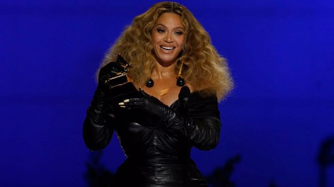 """Beyonce accepts the award for best R&B performance for """"Black Parade"""" at the 63rd annual Grammy Awards. (Photo / AP)"""