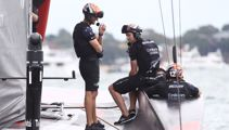 Race 10 delayed, but doubts Luna Rossa can come back against Team NZ