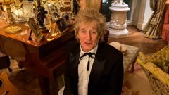Rod Stewart asks our Prime Minister out for a drink during a Zoom call to Clarke Gayford.