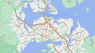 Auckland traffic: Crashes, breakdowns and oil spill add to rush hour mayhem