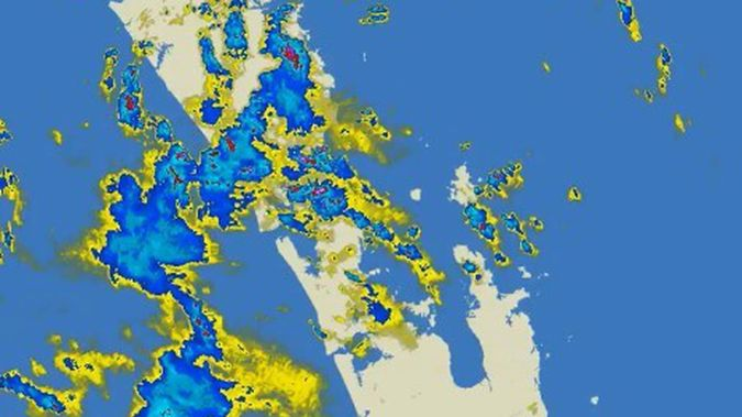 Holidaymakers are hitting the roads as thunderstorms rattle overhead for the next eight hours. Image / MetService