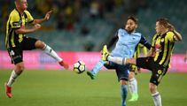 Wellington Phoenix rue missed chances in frustrating draw with 10-man Western United