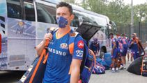Blackcaps star to miss first test in England as teammates rushed home from India