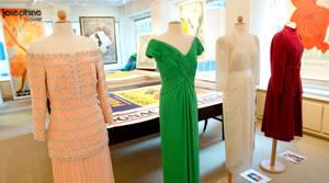 PHOTOS: Royal wedding cake and Princess Diana's dresses up for auction