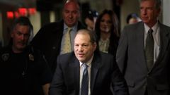 Harvey Weinstein in 2020, arriving at a Manhattan courthouse for jury deliberations in his rape trial in New York. (Photo / AP)