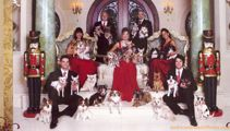 PHOTOS: Awkward family Christmas photos